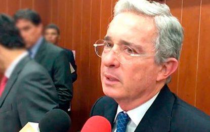 Periodistas escriben una carta a Uribe rechazando su difamación a la prensa