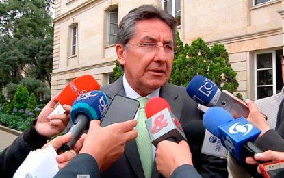 Fiscal radica proyecto de ley contra la Corrupción