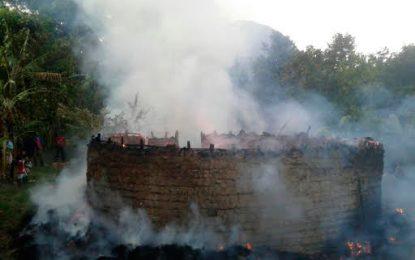 Piden celeridad en investigaciones por incendio de dos centros ceremoniales indígenas