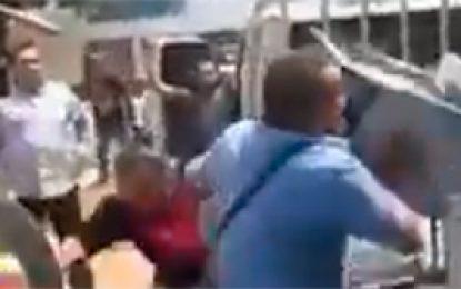 En video: fuerte reacción de vendedor ambulante en operativo de espacio público en Valledupar