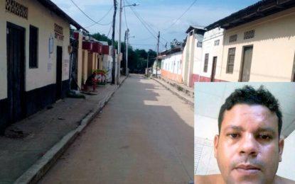 Autoridades buscan a sujeto que mató al novio de su exmujer