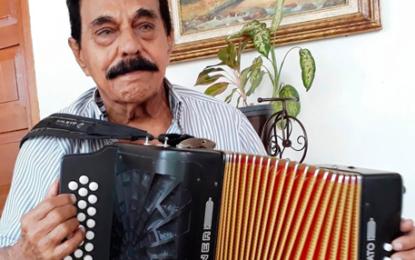 """""""No soy el Rey Vallenato mudo, canto y bien afinado"""", Miguel López"""