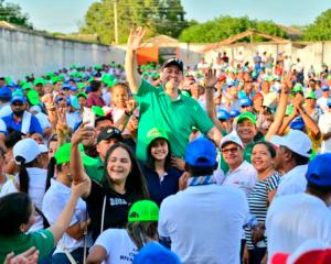 En concurridas concentraciones, José Alfredo Gnecco recibió nuevas expresiones de respaldo.