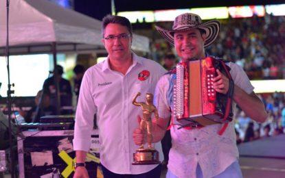 Daniel Holguín, Rey vallenato aficionado