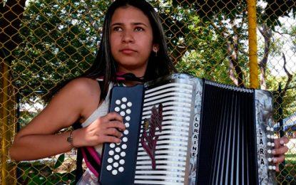La 'pollita' a la que le 'afiló las espuelas' desde la cárcel 'El Pollito' Herrera