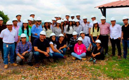 Estudiantes de la Universidad de la Costa visitan la mina Pribbenow