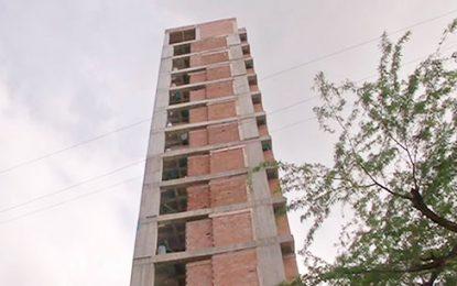 Edificio con licencia para 7 pisos en Santa Marta, lleva 16 construidos