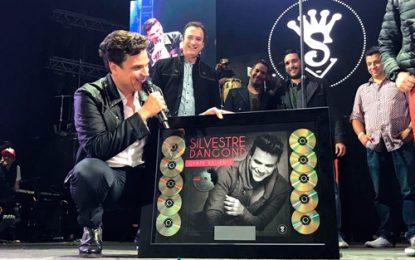 Silvestre Dangond recibió disco de diamante por 'Gente Valiente'