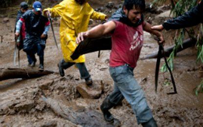 Fuertes lluvias generan inundaciones y deslizamientos en tres departamentos del país