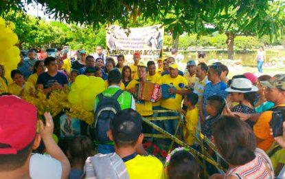 Seguidores de Martín Elías le 'celebraron' su cumpleaños
