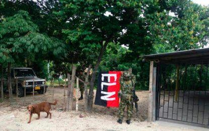 Otra bandera alusiva al ELN entre Rio de Oro y Ocaña