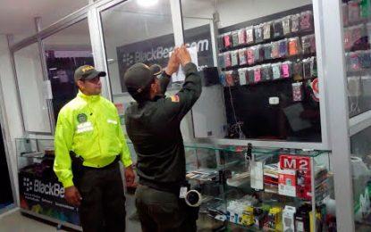 Policía cierra ocho locales comerciales de venta de celulares en Valledupar