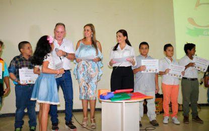Gobernador entregó certificación a niños y niñas que participaron en Bibliovacaciones