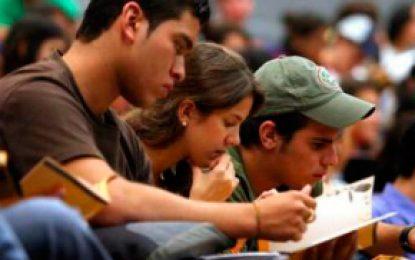 Icetex firma crédito por 160 millones de dólores para beneficiar a estudiantes de Colombia