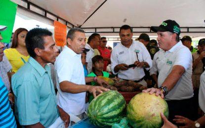 Primera Feria Agrícola tuvo buena acogida en La Paz