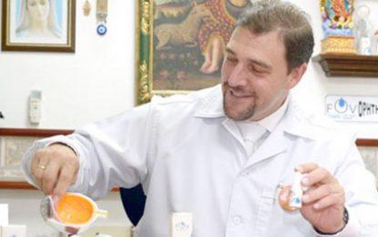 Médico colombiano crea gotas que recuperan la visión