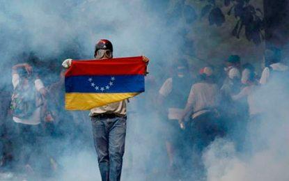 Primeras 24 horas de protestas en Venezuela dejan tres muertos