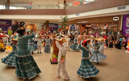 Primer festival intercolegial de danzas folclóricas del caribe colombiano en Valledupar