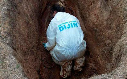 Halan cadáver en fosa común en La Guajira