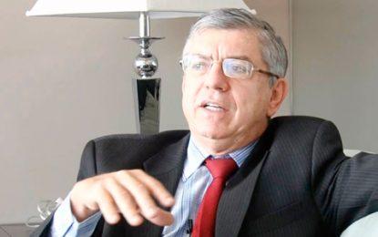 Con duras críticas a Santos y Vargas Lleras, expdte. César Gaviria asume dirección del Partido Liberal