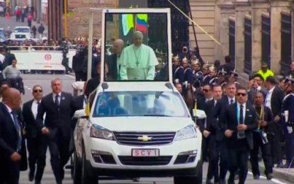 Emotivos momentos del Papa Francisco en la Plaza de Bolívar y su encuentro con la Virgen de Chiquinquirá y con la juventud