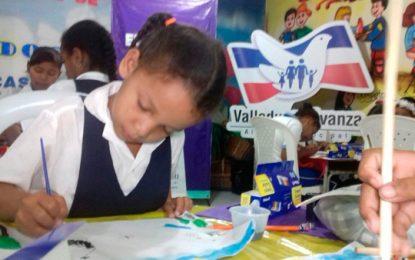Niños de Mariangola plasman en pintura el patrimonio de Valledupar