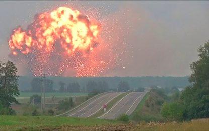 30.000 personas evacuadas en Ucrania por incendio en depósito militar