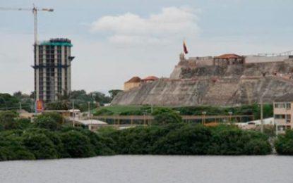 Piden demoler edificio cerca al Castillo de San Felipe
