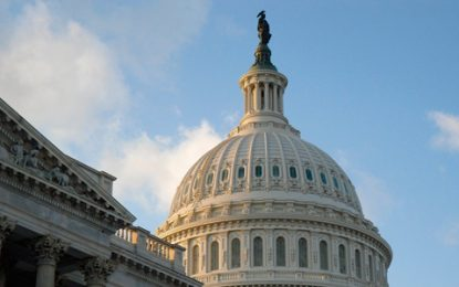 Demócratas piden al Congreso de EE.UU. modificar políticas sobre control de armas