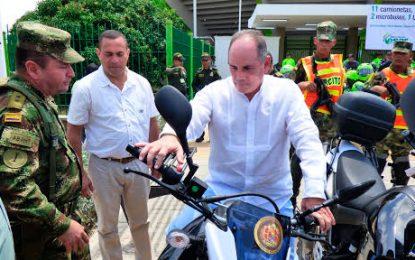 Gobernación del Cesar entregó dotación a la Fuerza Pública para mejorar la movilidad