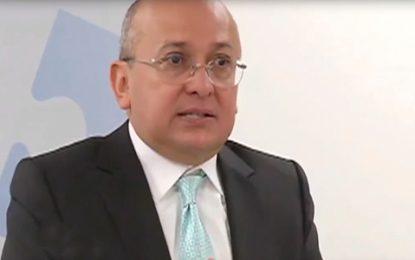 Exfiscal Montealegre denuncia penalmente a Gustavo Moreno