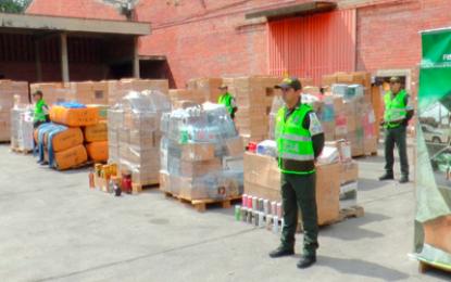 Dian golpea al contrabando en San Andresito de Bucaramanga