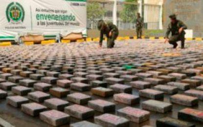 Policía incauta cerca de 4 toneladas de cocaína y destruye 15 laboratorios para el procesamiento de la droga