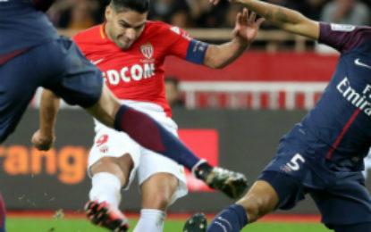 El París Saint Germain ganó 2-0 al Mónaco en el clásico francés