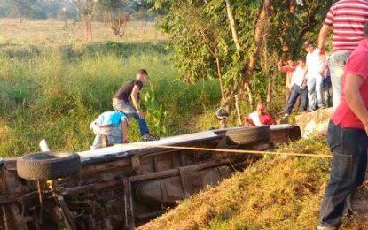 Fuera de peligro los 19 niños lesionados en accidente de microbús escolar en Cesar