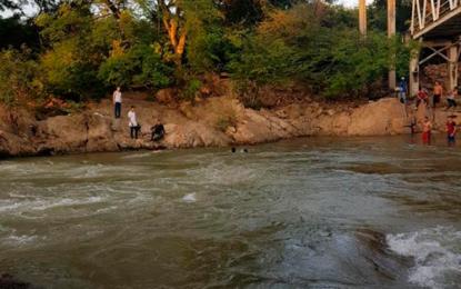 Auxiliar de Policía salvó a estudiante de sicología que cayó a las aguas del río Guatapurí