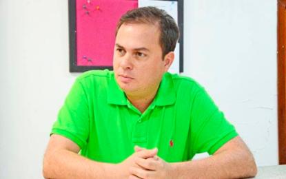 Faruk Urrutia desiste de su aspiración al senado por el Centro Democrático