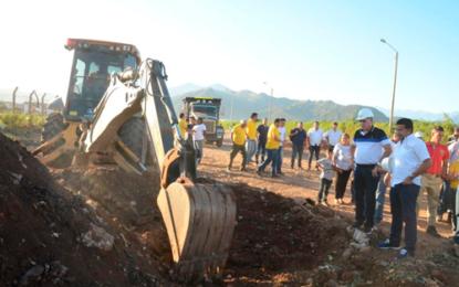 Gobernador Ovalle inicia pavimentación de 283 nuevos tramos urbanos en Valledupar