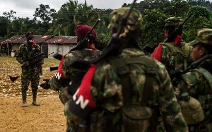 El grupo guerrillero reiteró que no se levantará de la mesa en Quito (Ecuador).