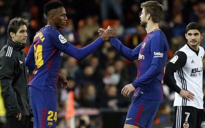 Yerry Mina marcó de penal en el triunfo del Barcelona en la Supercopa de Cataluña