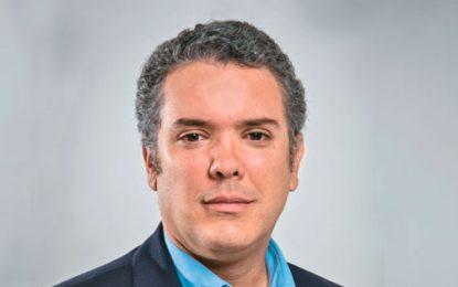 Iván Duque y su fórmula vicepresidencial este lunes en Valledupar