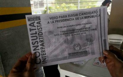 Unasur aconseja a Colombia rediseñar tarjetas electorales y capacitar jurados