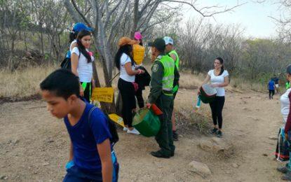 Policía Nacional junto a jóvenes vallenatos mejoran la cara de la ciudad