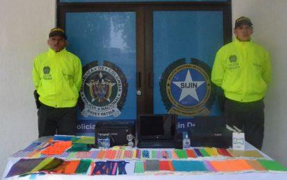 Policía captura dos hombres dedicados falsificar boletas para eventos de festival
