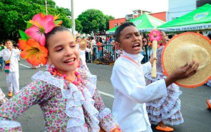 Piloneros infantil y juveniles el preámbulo del Festival Vallenato