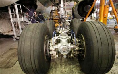 Fuerza Aérea compró trenes de aterrizaje usados como nuevos