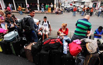 Más de 400 venezolanos inscritos en primer día de censo