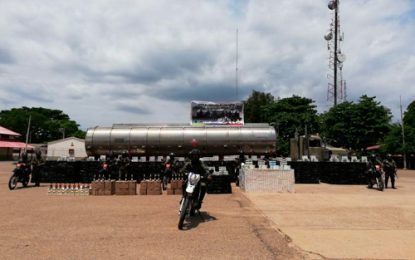 Cayó cargamento de contrabando camuflado en tanques de un camión de hidrocarburos en La Guajira