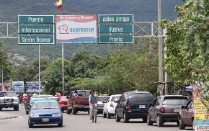 Según la OEA 208 venezolanos abandonan cada hora su país; 5 mil diariamente