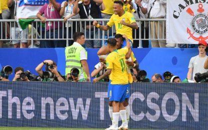 Brasil pasa a cuartos de final dejando a México en el camino